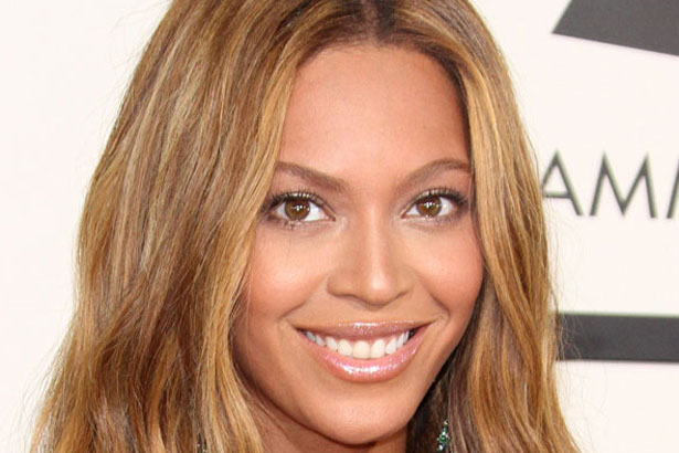 Beyoncé's golden waves at the 57th Annual Grammy Awards; Image: Adriana M. Barraza/Wenn