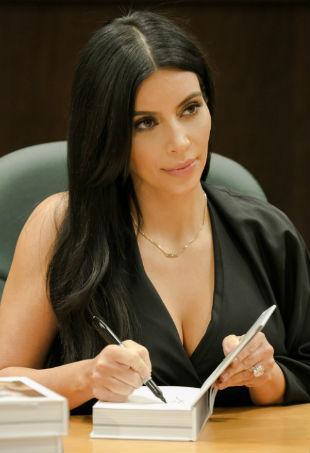 Kim Kardshian Book Signing