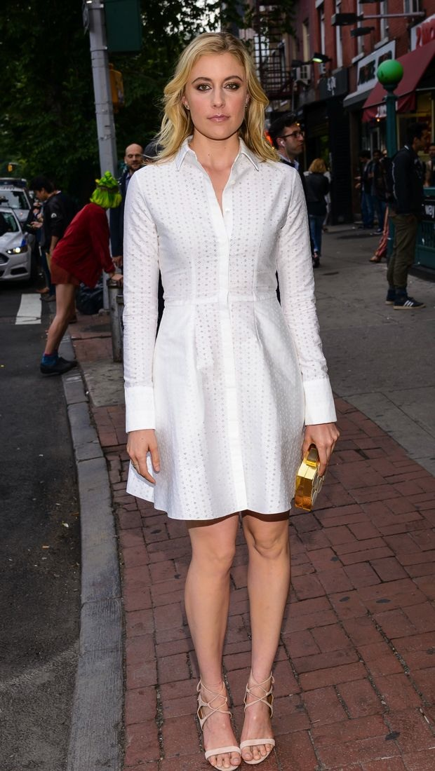 Greta Gerwig impresses in the ideal shirtdress for summer at the