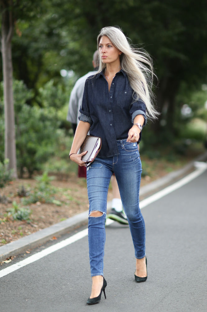 70426800163df New Study  People Who Wear Skinny Jeans Are More Confident than You Are