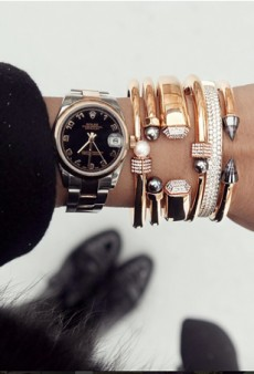 The Cool Girl's Guide to Layering Jewelry