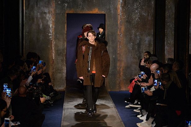 See all the Coach Men's Fall 2016 looks from the runway.