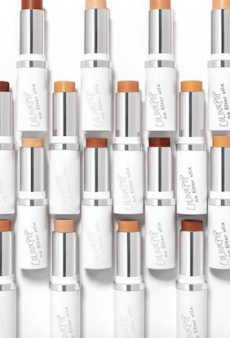 Before You Buy: The 6 Best-Reviewed Drugstore Foundations