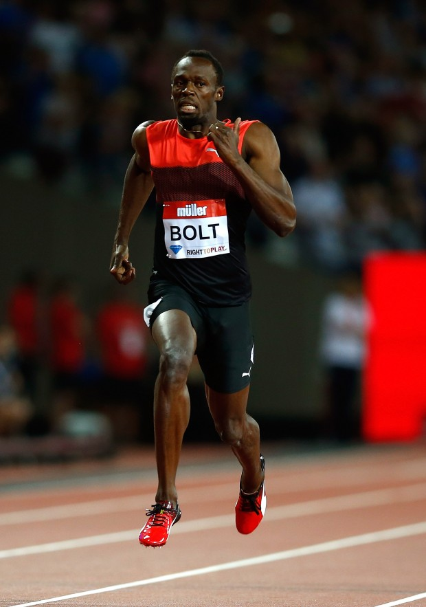 Usain Bolt speeds down the track in Puma during the mens 200m on Day One of the Muller Anniversary Games on July 22, 2016; Image: Christopher Lee/Getty Images