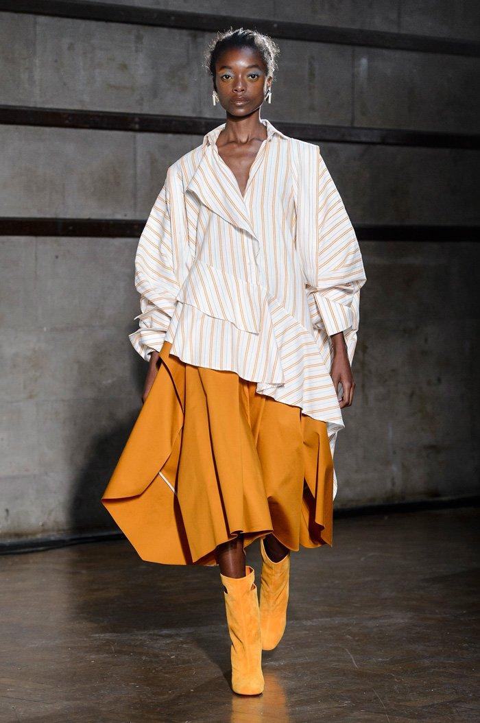 Striped blouse at Palmer Harding Spring 2018
