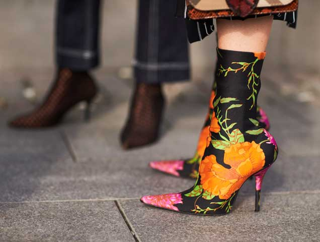 printed boots street style