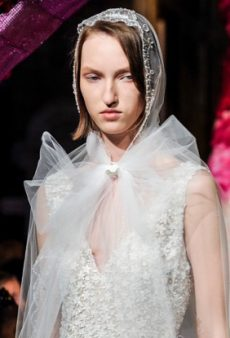 8 Bridal Fashion Week Spring 2020 Beauty Looks Perfect for Date Night