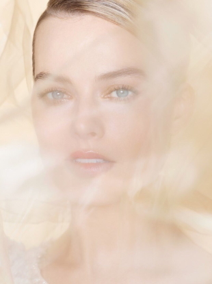 Chanel 'Gabrielle Essence' Fragrance 2019 : Margot Robbie by Nick Knight
