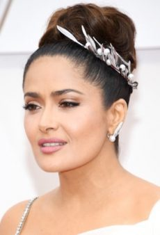 From Bold Red Lips to Flashy Hair Jewelry, Here Are the Best 2020 Oscar Beauty Looks