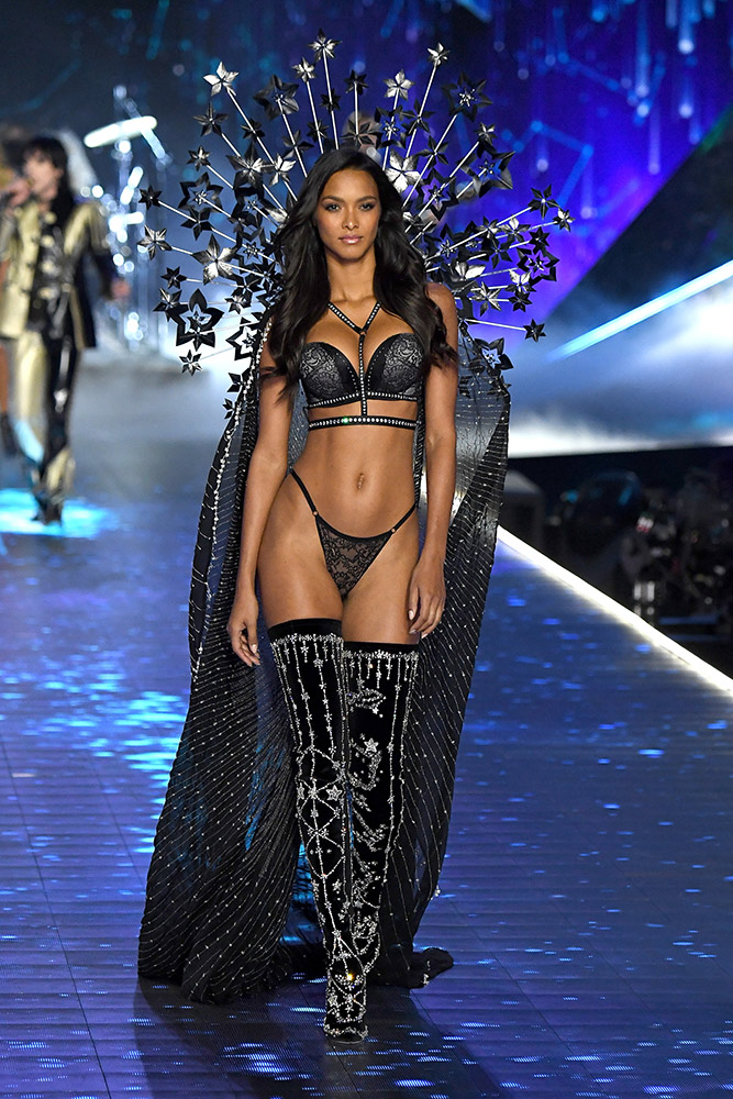 All The Looks From The 2018 Victoria S Secret Fashion Show
