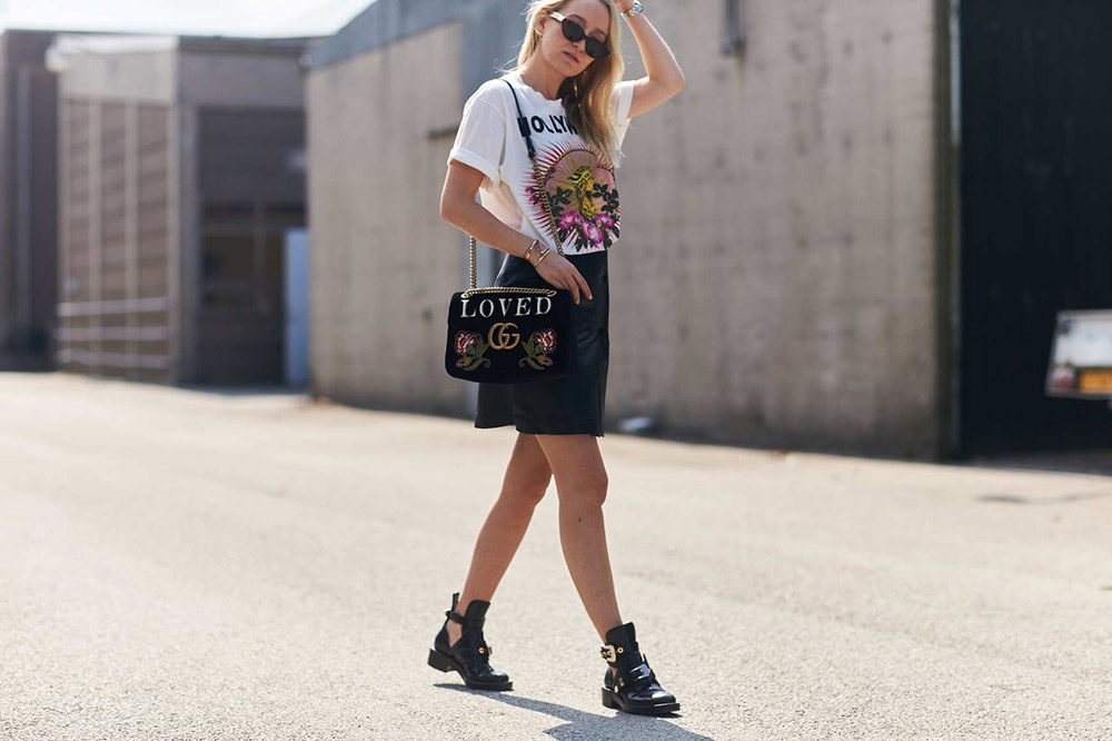 08324d5551e 22 Miniskirt Outfit Ideas to Wear All Season Long - theFashionSpot
