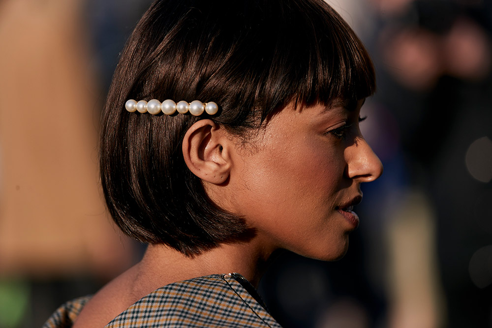40 Gorgeous and Grown-Up Ways to Wear Barrettes