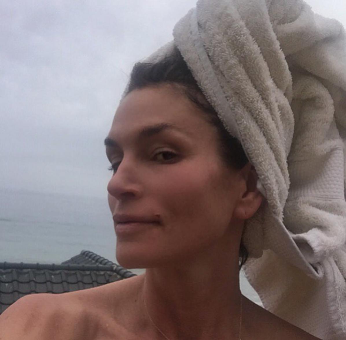 Sideboobs Fiona Falkiner nude (85 photo), Topless, Hot, Selfie, cleavage 2020