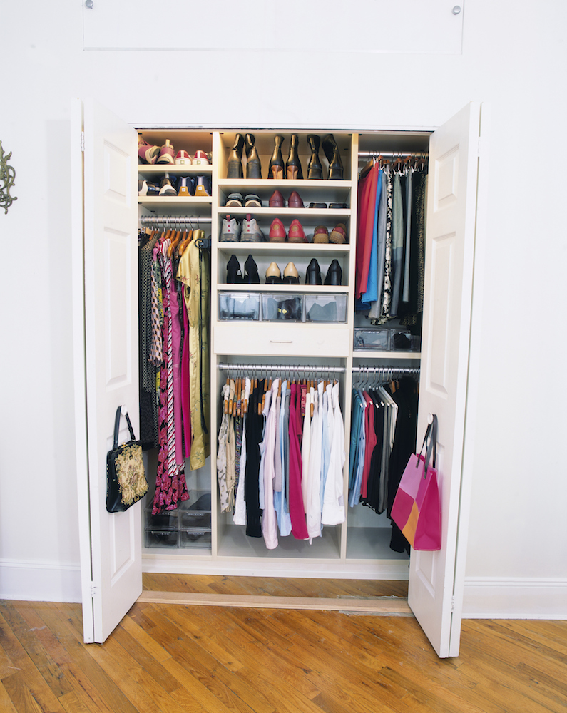 13 Closet Organization Hacks Every Woman Should Know,Where To Hang Curtains With Craftsman Trim