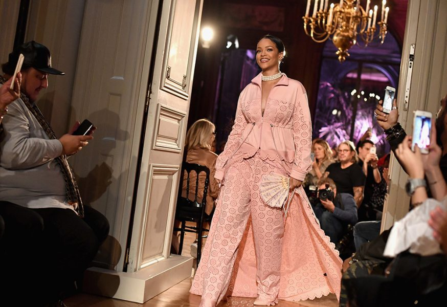 cheaper 5b378 9aa18 For Fenty x Puma Spring 2017, Rihanna Made Gym Clothes for ...