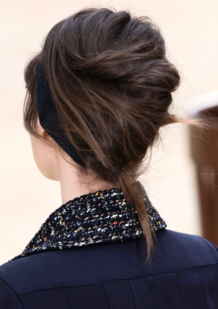 The 90s French Twist Is Back Thefashionspot