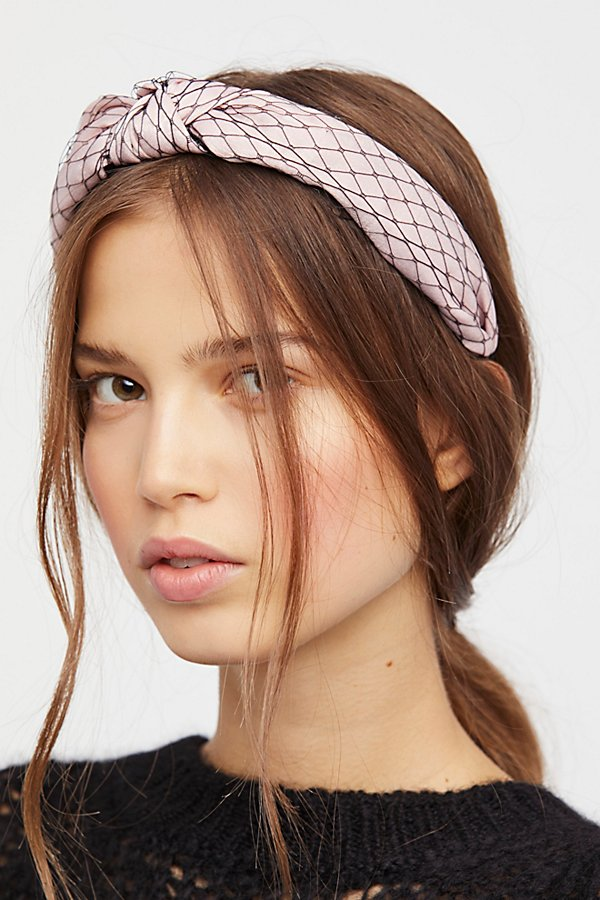 Headbands Are Back  Here s How to Wear One Like an Adult ... e46d1298744