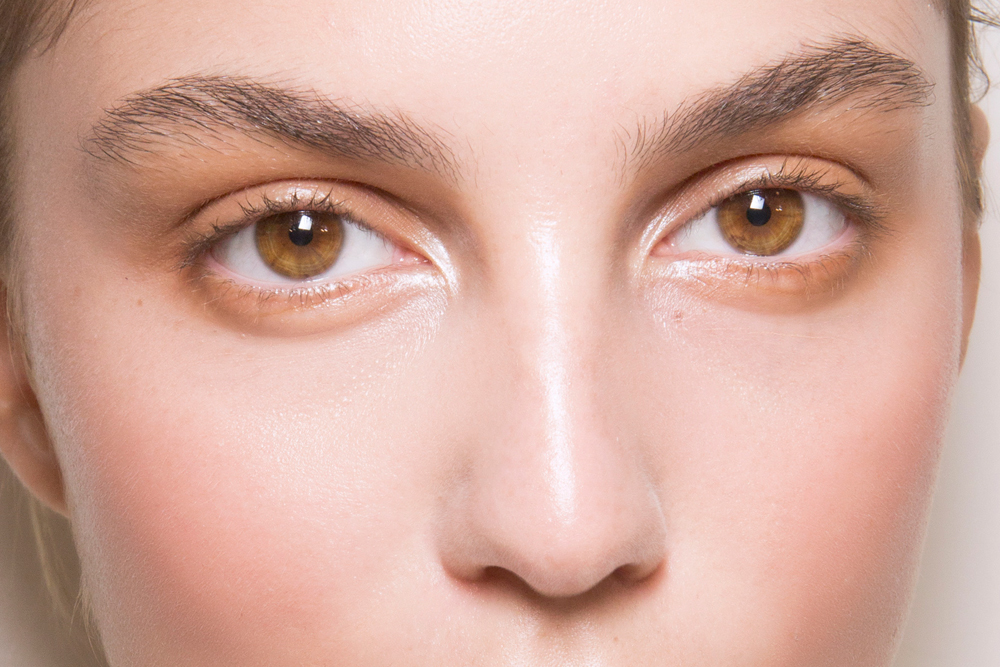 How To Make Your Eyes Look Bigger With Makeup Thefashionspot