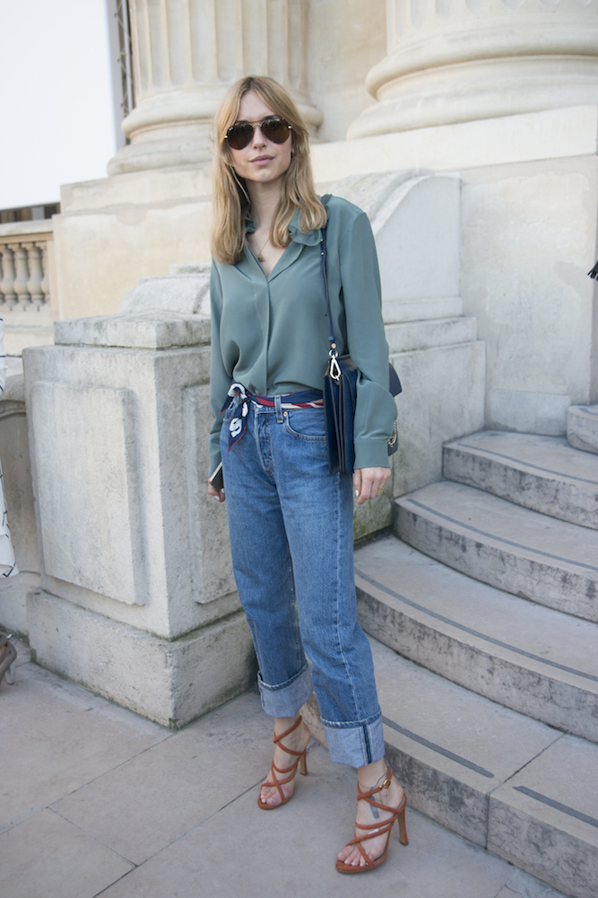 8dfed0ae1b Street Style Stars on How to Wear Boyfriend Jeans This Summer