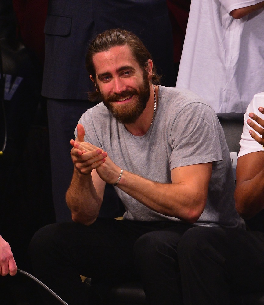 The 6 Stages of Jake Gyllenhaal's Beard - theFashionSpot
