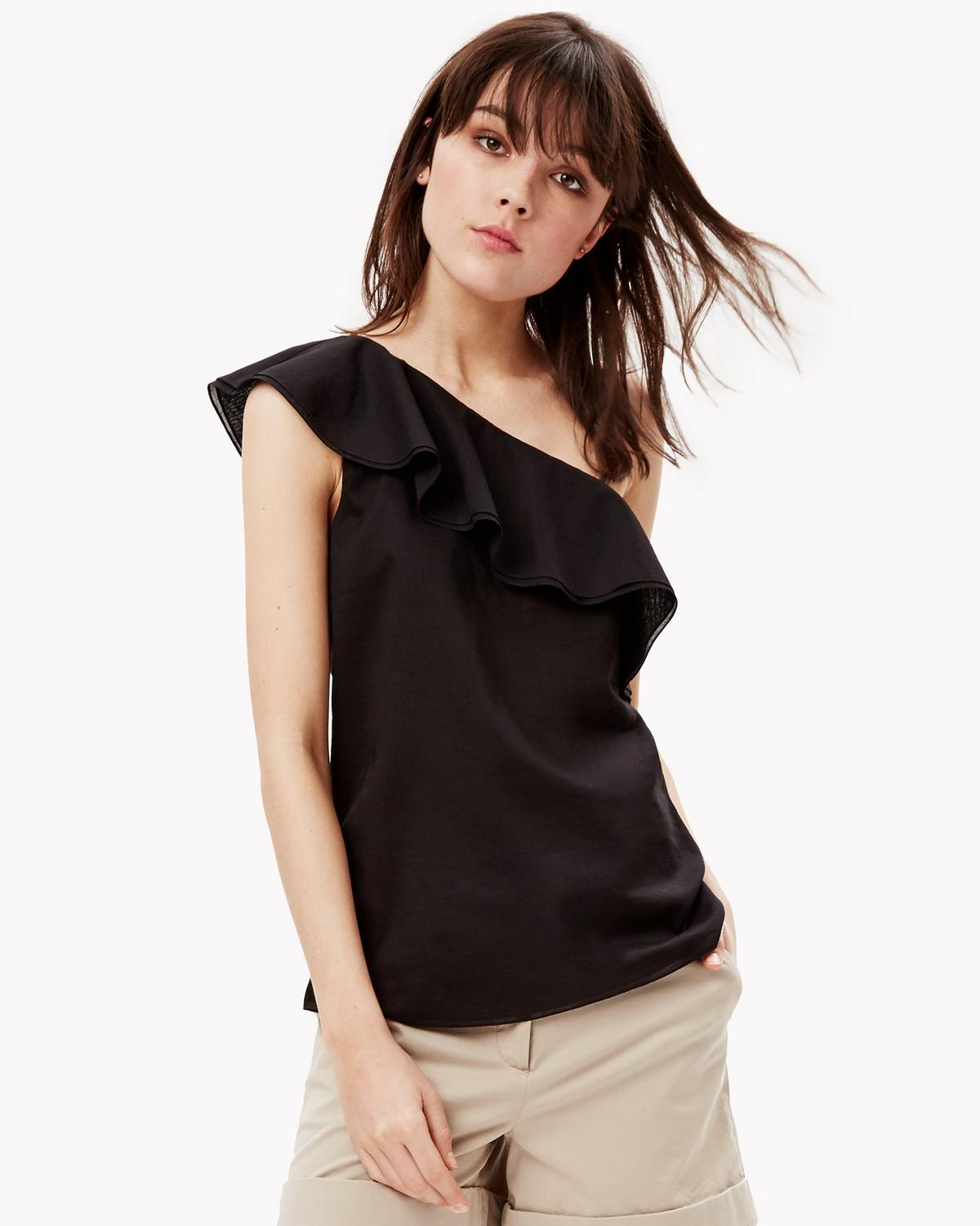 a7b9fb9ff6e Fashion Trend: One-Shoulder Tops Are the New Off-the-Shoulder Tops ...