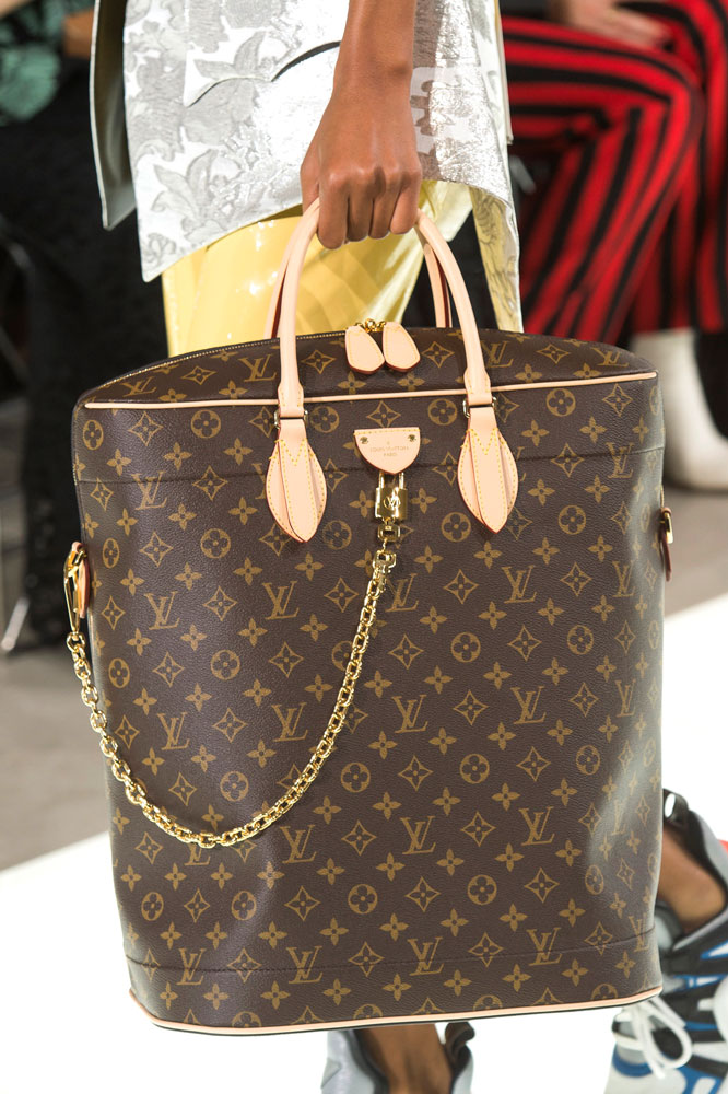 Oversized Bags Are About To Be Huge