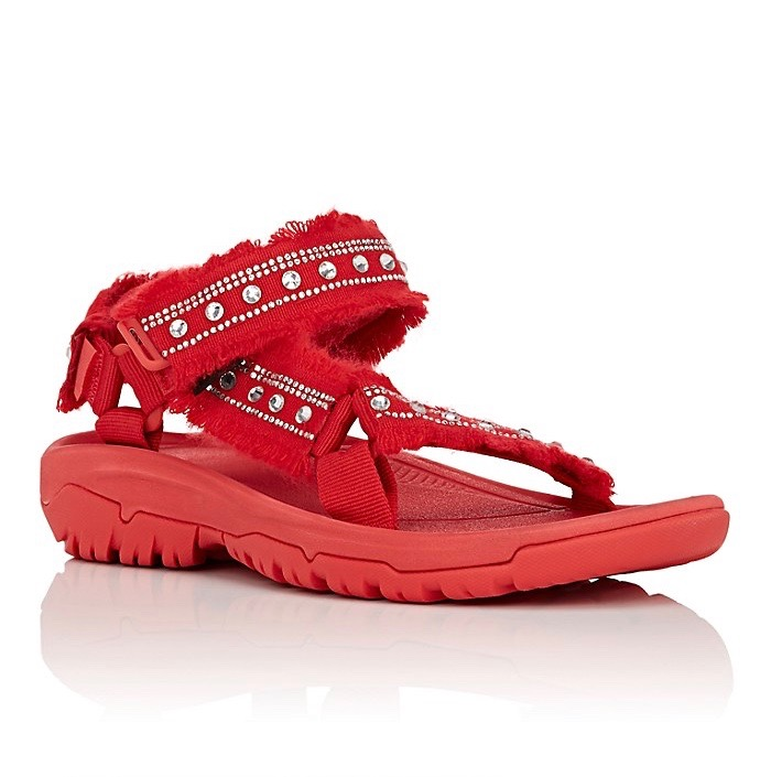 65d0d414ab64 Best Tevas and Birkenstocks for Fashion Girls - theFashionSpot