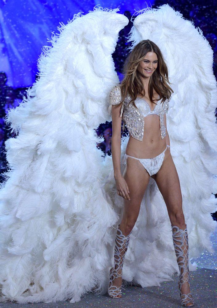 ea8a5c2295a The 101 Best Victoria s Secret Fashion Show Shots Ever - theFashionSpot