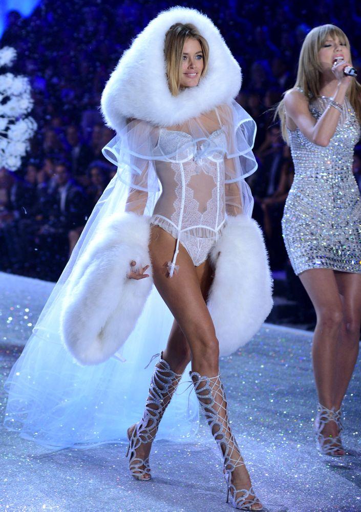 77302002c9 The 101 Best Victoria s Secret Fashion Show Shots Ever - theFashionSpot